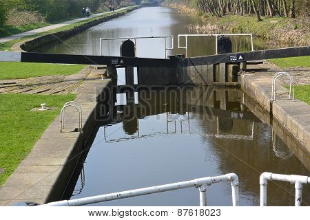View of the canal from the towpath