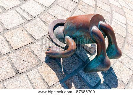 Sprookjes Bronze Figure Of Tom Otterness On The Beach Promenade Of Scheveningen