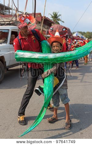 Children Perform In Sihanoukville Annual Carnival