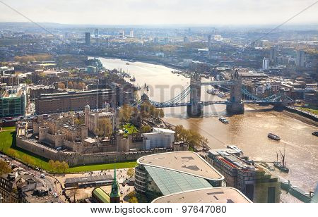 Tower bridge, Tower of London and river Thames.