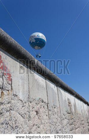hot air balloon, berlin wall, germany
