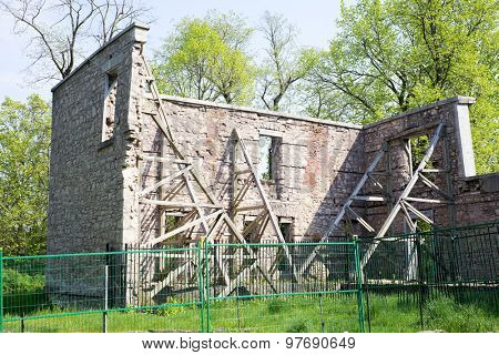 Ruins of the Hermitage at the Dundas Valley Conservation Area.