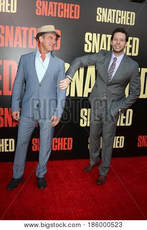 LOS ANGELES - MAY 10:  Christopher Meloni, Ike Barinholtz at the