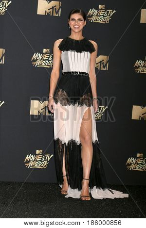 LOS ANGELES - MAY 7:  Alexandra Daddario at the MTV Movie and Television Awards on the Shrine Auditorium on May 7, 2017 in Los Angeles, CA