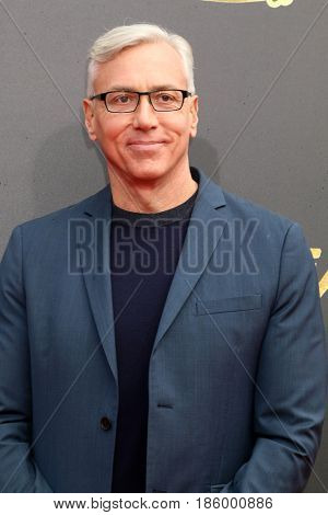 LOS ANGELES - MAY 7:  Dr Drew Pinsky at the MTV Movie and Television Awards on the Shrine Auditorium on May 7, 2017 in Los Angeles, CA
