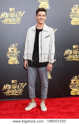 LOS ANGELES - MAY 7:  Gabriel Conte at the MTV Movie and Television Awards on the Shrine Auditorium on May 7, 2017 in Los Angeles, CA