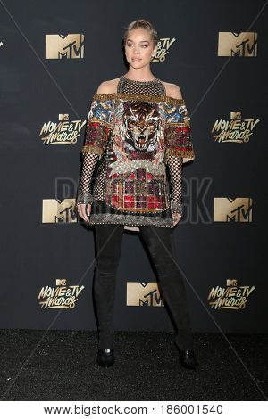 LOS ANGELES - MAY 7:  Jasmine Sanders at the MTV Movie and Television Awards on the Shrine Auditorium on May 7, 2017 in Los Angeles, CA