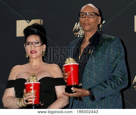 LOS ANGELES - MAY 7:  Michelle Visage, RuPaul at the MTV Movie and Television Awards on the Shrine Auditorium on May 7, 2017 in Los Angeles, CA