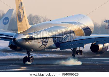 VNUKOVO, MOSCOW REGION, RUSSIA - FEBRUARY 19, 2013: I-FLy airlines Boeing 757-200 EI-DUD landing at Vnukovo international airport.