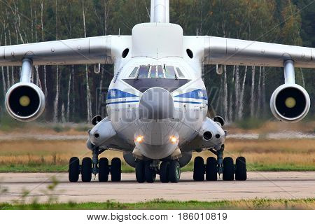 CHKALOVSKY, MOSCOW REGION, RUSSIA - SEPTEMBER 12, 2010: Ilyushin IL-76VKP IL-82 RA-76450 of Russian Air Force taxiing at Chkalovsky.