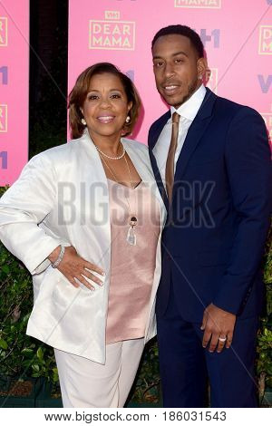 LOS ANGELES - MAY 6:  Roberta Shields, Ludacris at the VH1`s 2nd Annual Dear Mama: An Event To Honor Moms on the Huntington Library on May 6, 2017 in Pasadena, CA