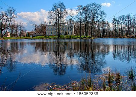 Elegantly understated neo-Renaissance-style palace Igate, picturesque park and lake