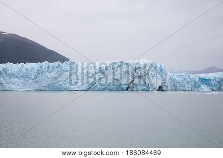 Perito Moreno Glacier in stillness ... at Argentina's Los Glaciares National Park