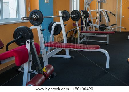 Rods and power trainers in the modern gym
