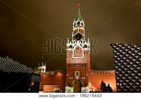 Night shot of the tower of the Moscow Kremlin