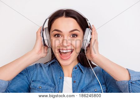 Close Up Photo Of Pretty Excited Woman In Headphones Listening To Her Favourite Song And Singing