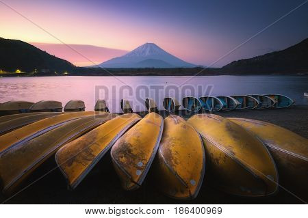 Lake Shojiko With Mt.fuji In Morning, Yamanashi, Japan.