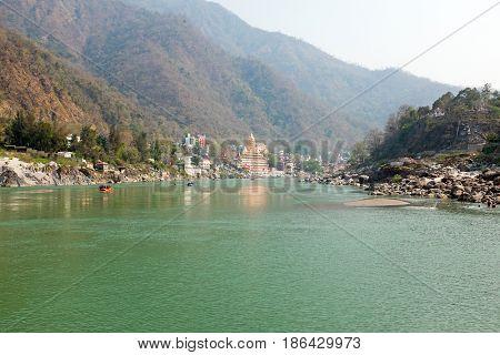 Laxman Jhula at the Ganga in India