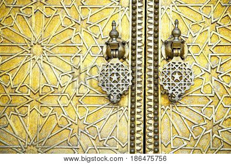 Morocco In Gold Star Wood  Facade Home And Safe Padlock