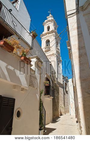 Chararacteristic alleyway of Noci. Puglia. Southern Italy.