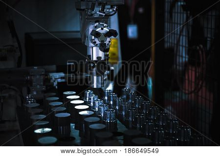 operator inspection dimension of high precision cnc turning parts turning parts
