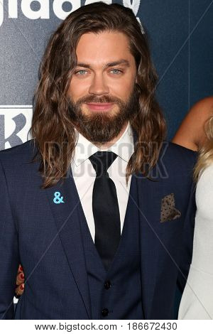 LOS ANGELES - APR 1:  Tom Payne at the 28th Annual GLAAD Media Awards at Beverly Hilton Hotel on April 1, 2017 in Beverly Hills, CA