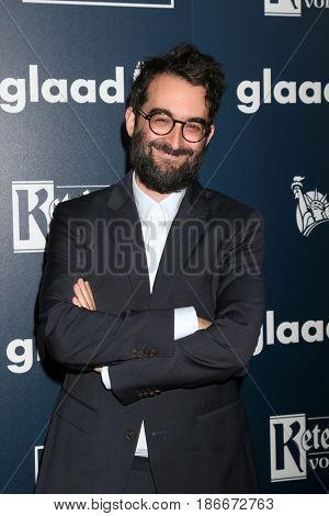 LOS ANGELES - APR 1:  Jay Duplass at the 28th Annual GLAAD Media Awards at Beverly Hilton Hotel on April 1, 2017 in Beverly Hills, CA