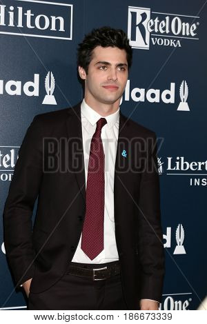 LOS ANGELES - APR 1:  Matthew Daddario at the 28th Annual GLAAD Media Awards at Beverly Hilton Hotel on April 1, 2017 in Beverly Hills, CA