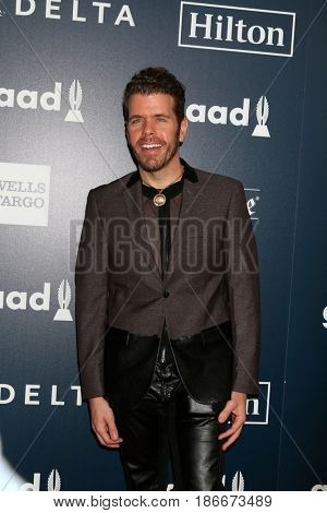 LOS ANGELES - APR 1:  Perez Hilton at the 28th Annual GLAAD Media Awards at Beverly Hilton Hotel on April 1, 2017 in Beverly Hills, CA