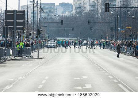 BERLIN - APRIL 03 2016: The annual Berlin Half Marathon. Before the start of the marathon.
