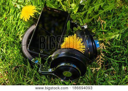 Wireless Travel Headphones And Smartphone