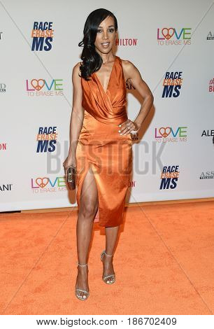LOS ANGELES - MAY 05:  Shaun Robinson arrives for the Race To Erase MS Gala 2017 on May 5, 2017 in Beverly Hills, CA