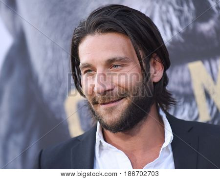 """LOS ANGELES - MAY 08:  Zach McGowan arrives for the 'King Arthur: Legend Of The Sword"""" World Premiere on May 8, 2017 in Hollywood, CA"""