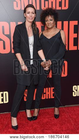 LOS ANGELES - MAY 10:  Wanda Sykes and Alex Sykes arrives for the 'Snatched' World Premiere on May 10, 2017 in Westwood, CA