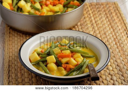 Curried green beans with potato and carrot