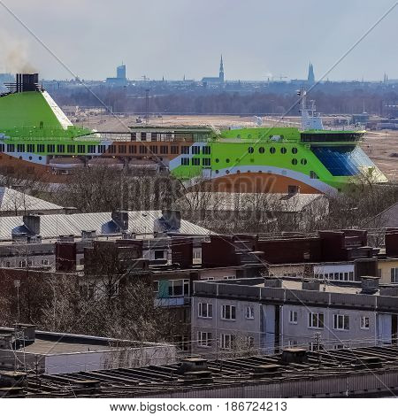 Green Cruise Liner