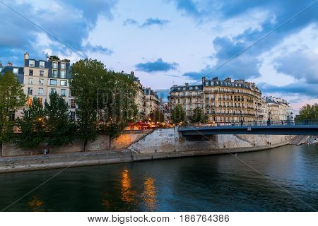 View To The Ile Saint Louis In Paris, France