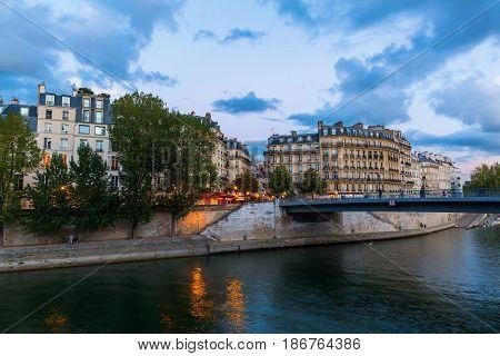 View To The Ile Saint Louis In Paris, France
