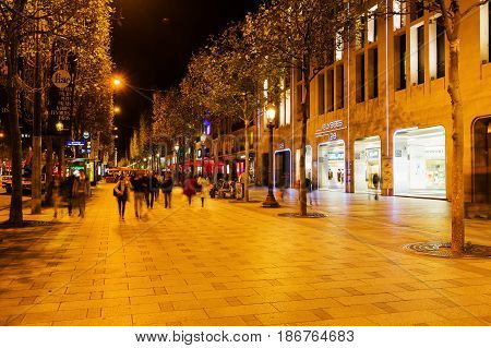 Paris, France - October 17, 2016: Sidewalk Of The Champs-elysees In Paris With Unidentified People.