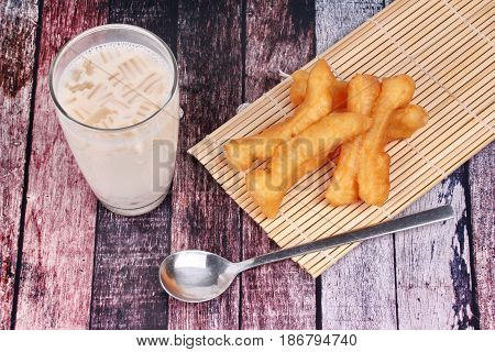 Soybean Milk Filling Jelly ,cereal And Grain Served With Deep-fried Dough Stick As Patongko