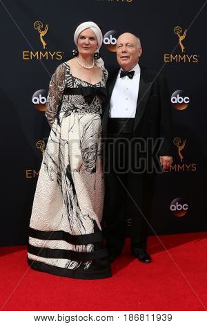 LOS ANGELES - SEP 18:  Emma Joy Kitchener, Julian Fellowes at the 2016 Primetime Emmy Awards - Arrivals at the Microsoft Theater on September 18, 2016 in Los Angeles, CA