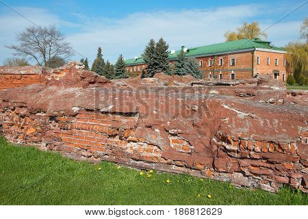 Barracks and a fragment of the destroyed fortifications of the fortress. Architecture fortification exterior