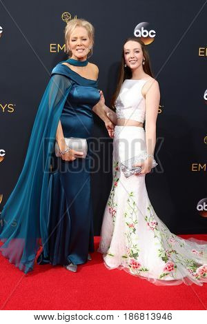 LOS ANGELES - SEP 18:  Jean Smart, Niece at the 2016 Primetime Emmy Awards - Arrivals at the Microsoft Theater on September 18, 2016 in Los Angeles, CA