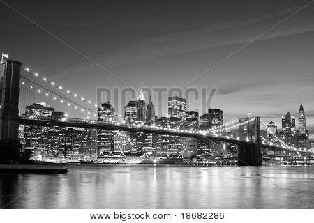 Brooklyn Bridge and Manhattan skyline At Night