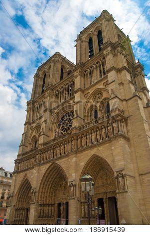 Notre Dame de Paris cathedrale church religion