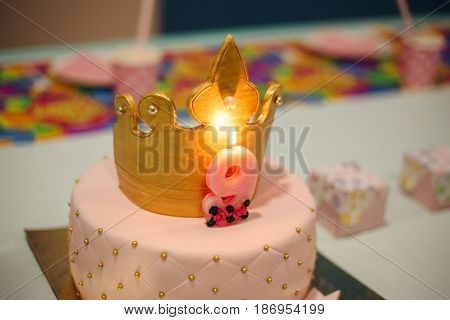 Mastic cake birthday beautiful decor decorated crown and nine old for girl. Pink pie