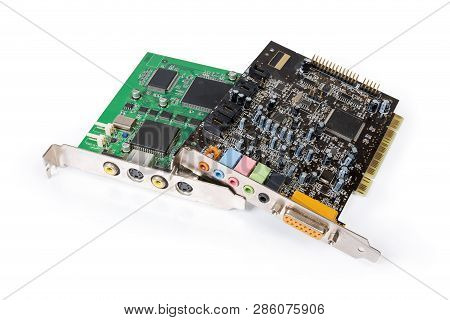 Used Internal Video Capture Card For Converting Analog Video Signal And Sound Card Pci Bus On A Whit