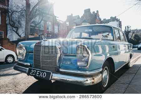 London, Uk - February 23, 2019: Front View Of Old Blue Mercedes-benz 600 Parked On A Side Of A Road