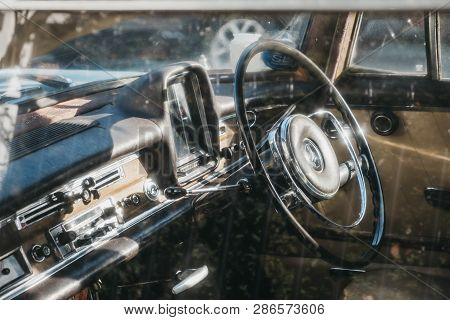 London, Uk - February 23, 2019: View Through The Window Of Old Blue Mercedes-benz 600 Parked On A Si