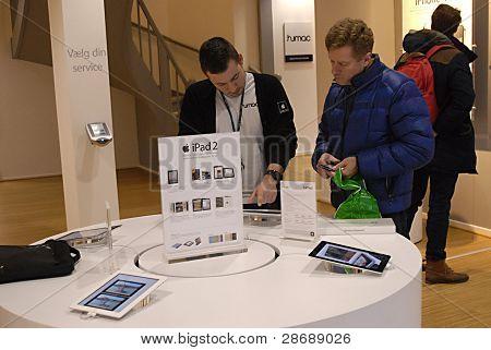 DENMARK / COPENHAGEN _ Ipad display at apple's mac center in Copenhagen Denmark today on 11 January 2012 (PHOTO BY FRANCIS JOSEPH DEAN / DEAN PICTURES)